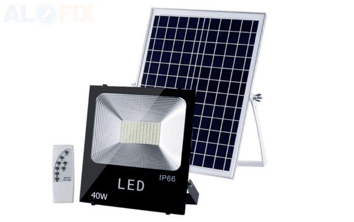 Đèn LED Pha Năng Lượng Mặt Trời